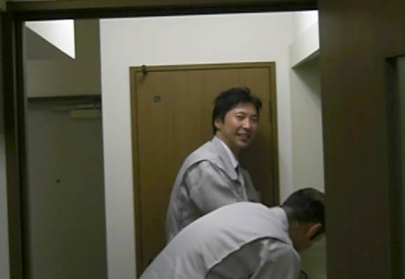 コンタクトを洗うITAさん